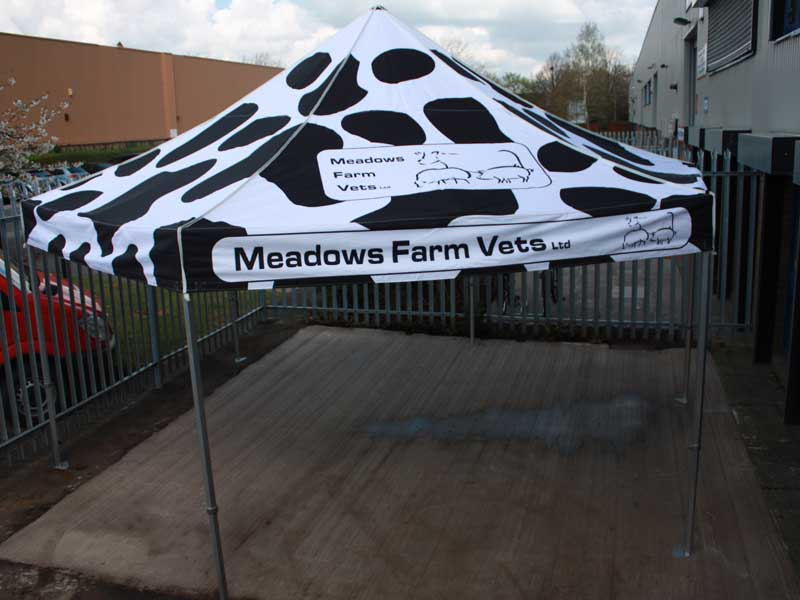 6m Hexagonal Meadow Farm Vets